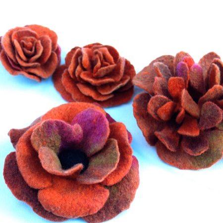 Blüten aus Merinowolle gefilzt B.Kilian